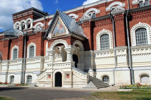 Музей хрусталя имени Мальцовых в Гусь-Хрустальном